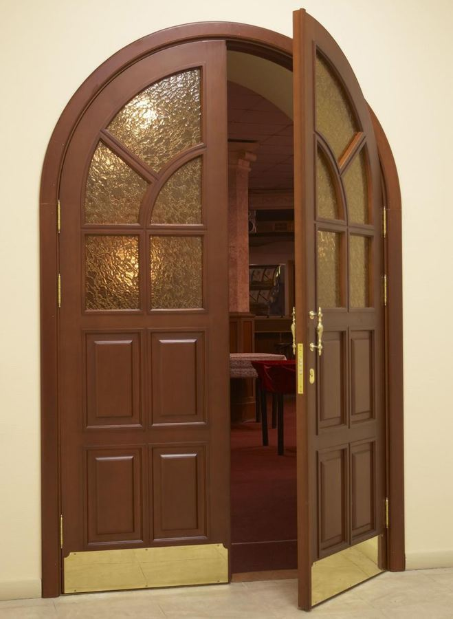 There are a lot of different kinds of contemporary exterior doors in the market.