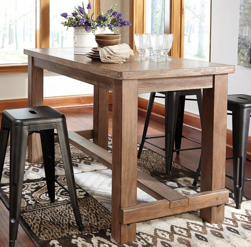 Reclaimed barnwood dining table has to be high-quality.