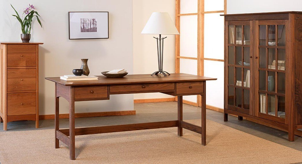 You can be a successful self-employed just working at home thanks to shaker office furniture.