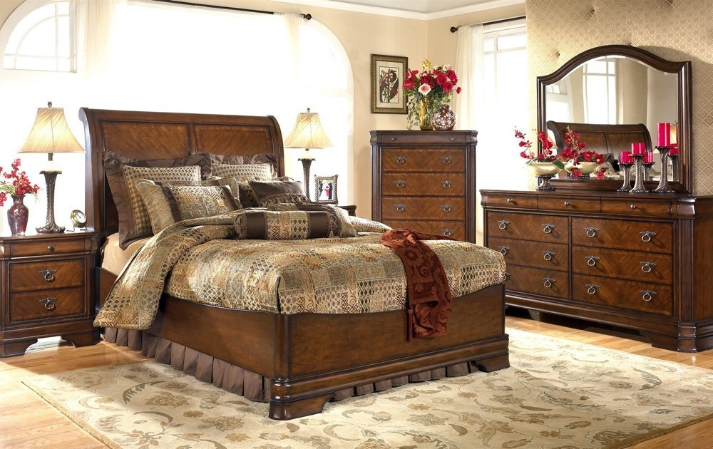 Solid Wood Modern Bedroom Furniture
