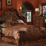 How to choose King Wood Bed for Your Bedroom