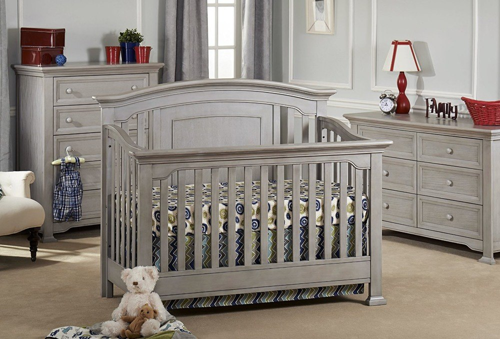 Choosing affordable best contemporary cribs for babies is very responsible case because it must be safe and comfortable first.