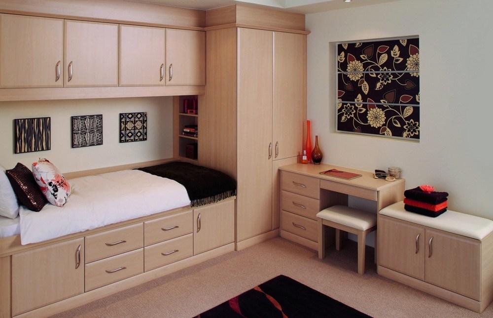 Built In Bedroom Furniture
