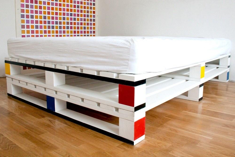 Bedroom Pallet Furniture