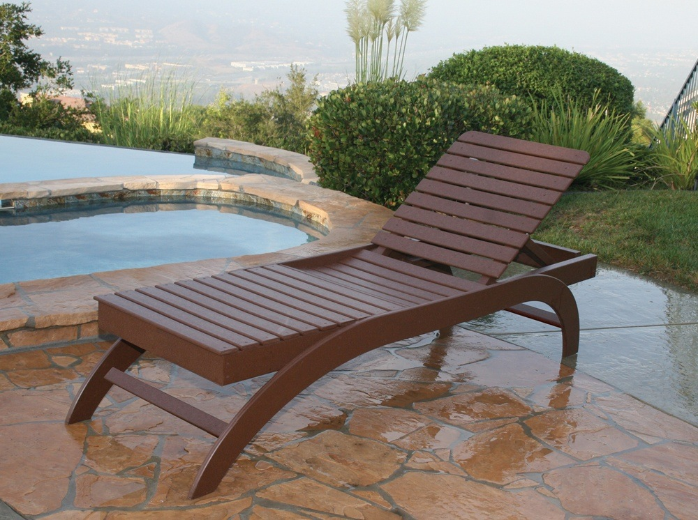 Wooden Chaise