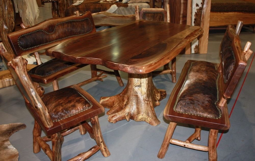 Handmade dining room tables may go with different configurations in style and décor.