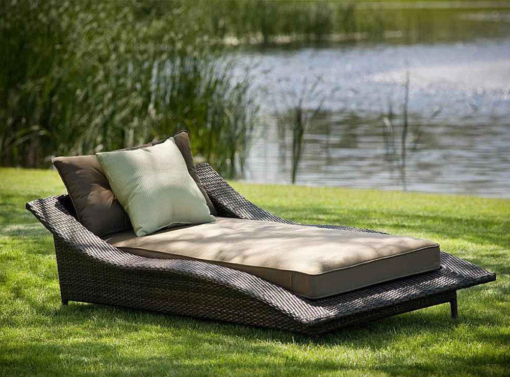 Wicker Outdoor Chaise Lounge Chair
