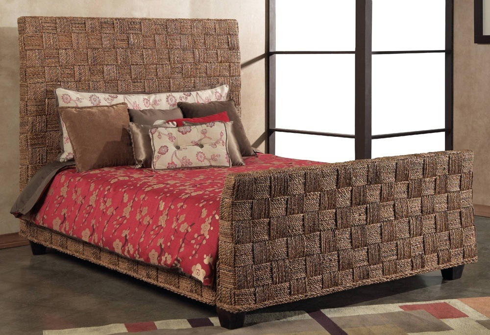Woven Seagrass Bed