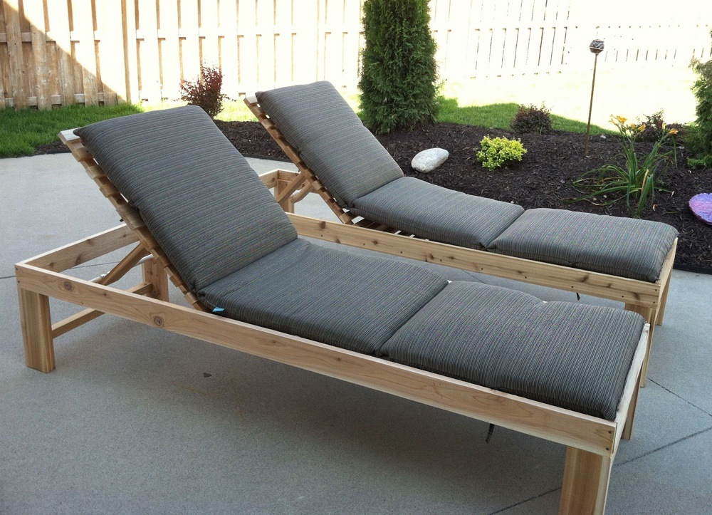 If you have a sunny balcony in your apartment, you definitely need one of those modern wood outdoor chaise lounge chairs that are available on the market of wood furniture.