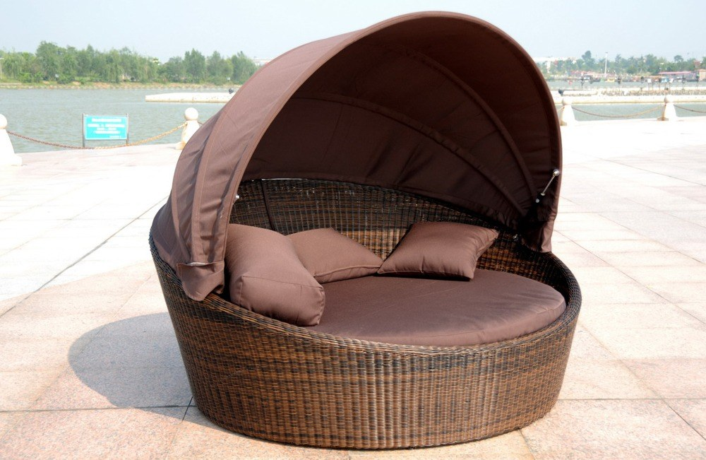 The process of choosing the garden luxury outdoor daybed ideas differs from the one with indoor furniture.