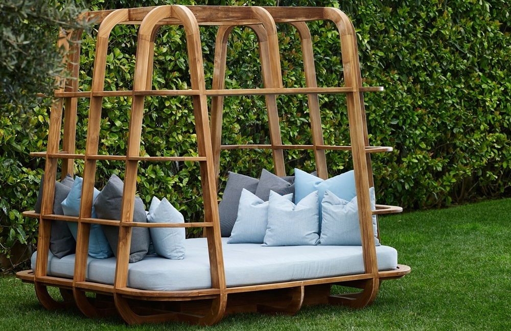 Outdoor Wood Daybed