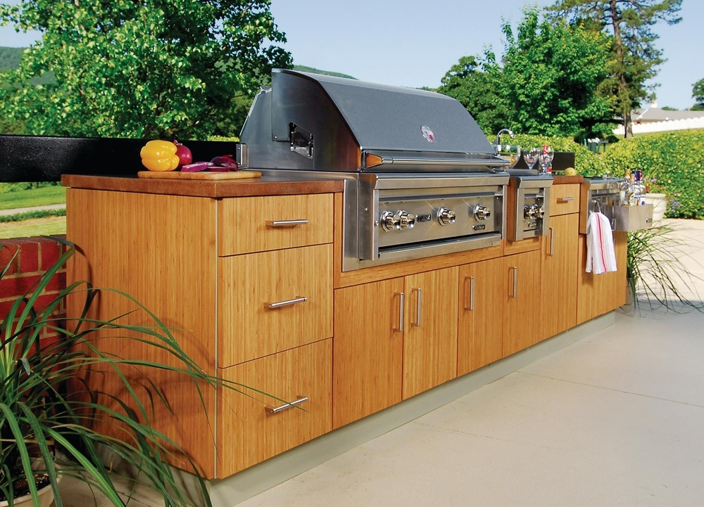 Choosing outdoor kitchen cabinet set you'll see that there is a wide choice of designs and materials used.