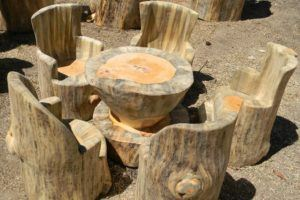 Log Carving Outdoor Dining Set