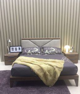 Luxury Bedrom Set With Beautiful Nighstand