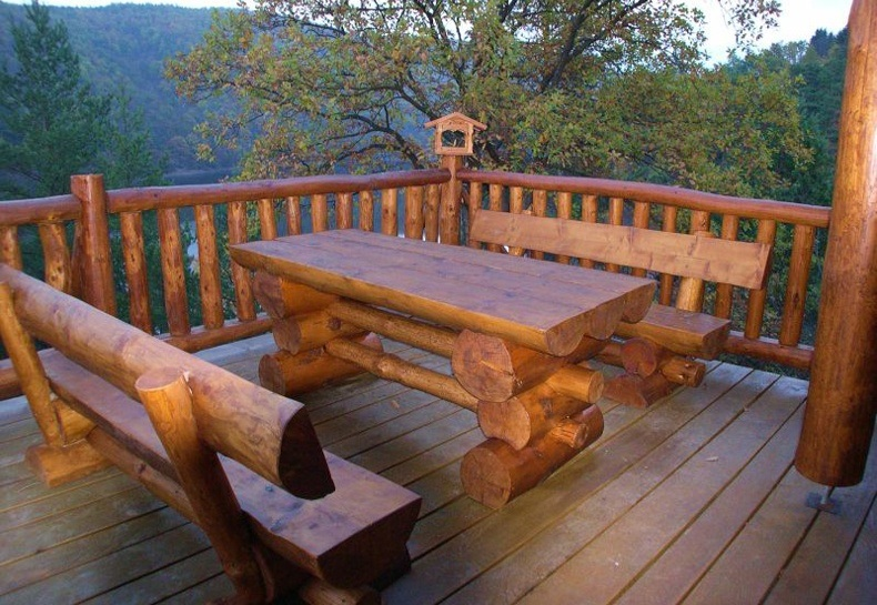 Outdoor Log Furniture Ideas - TheBestWoodFurniture.com