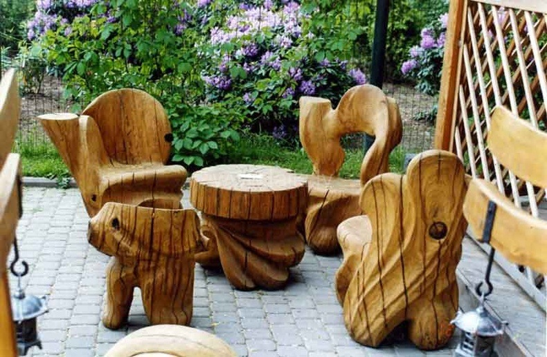 Unique Curved Outdoor Wood Furniture Ideas