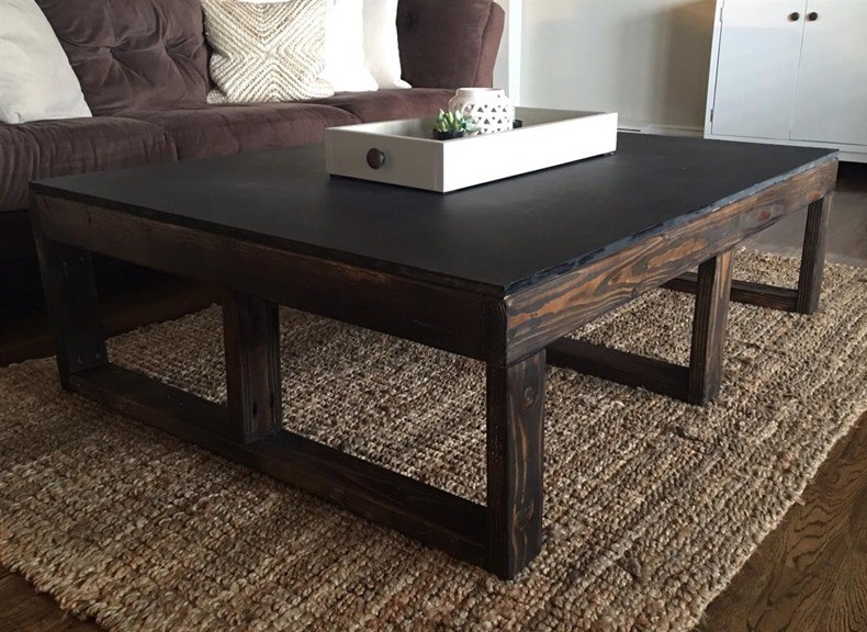 Dark Wood Pallet Coffee Table for Living Room