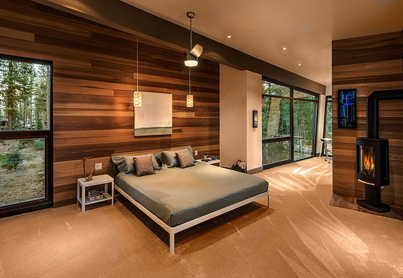 Walnut paneled walls are essential in order not to let the wall look like a cave.