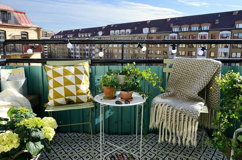 Mini Garden Balcony Decor