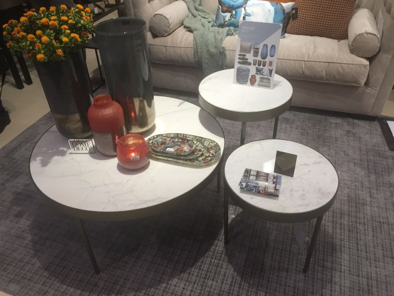 Dome Deco – Different Sizes Vases And Candles Coffee Table