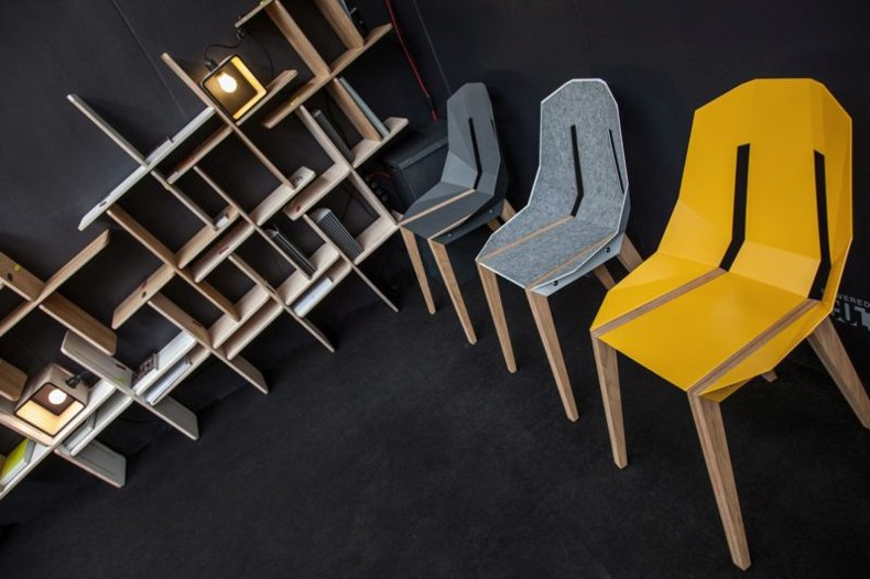 Dynsk Shelves And Chairs