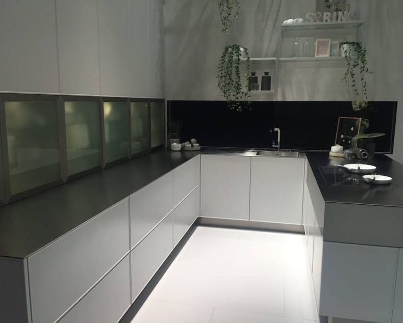 U-shaped Kitchen Cabinet Design