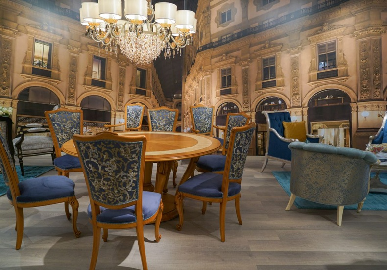 Baroque Dining Table and Chairs