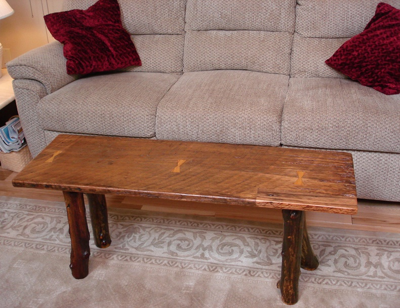 If you prefer narrow coffee table bench, taking two or more pieces you will see that this is a pretty unusual,