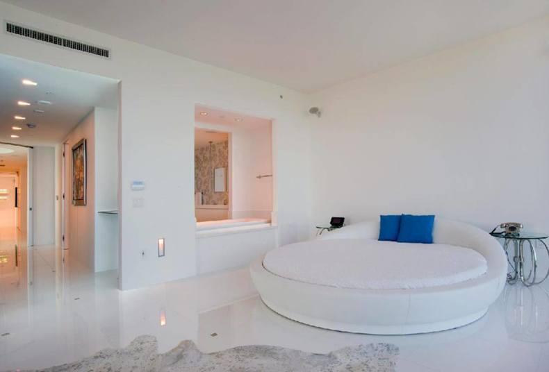 Neutral Linen Bedding