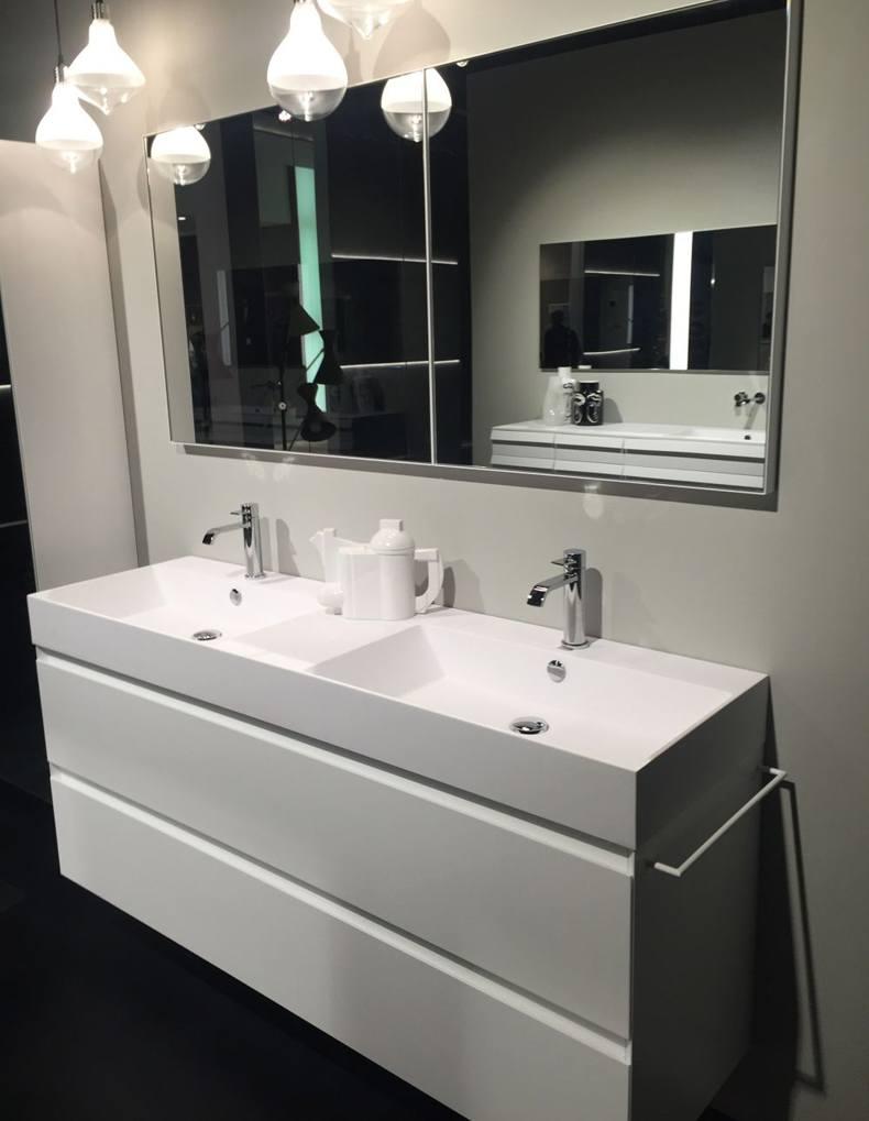 Bathroom Long Rectangular Mirror Design