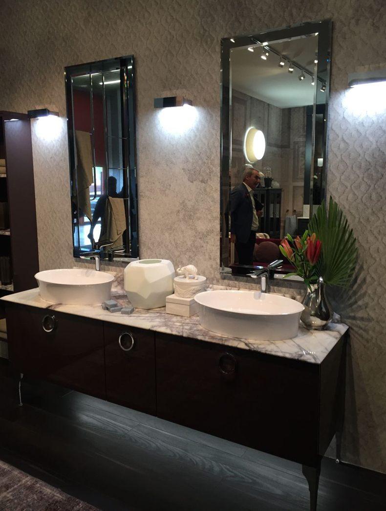Vertical Long Mirror Bathroom Design