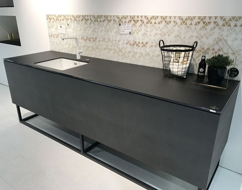 Kitchen Design With Black Countertop