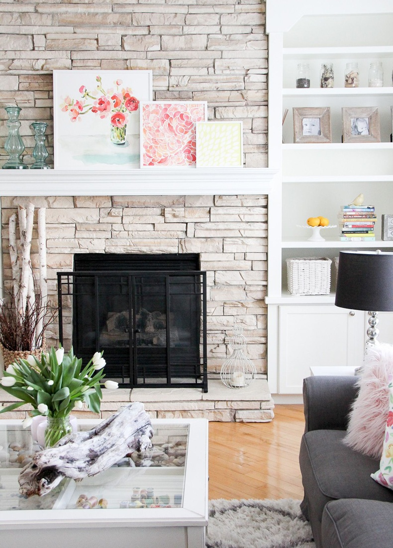 Colorful Mantel Decoration Ideas