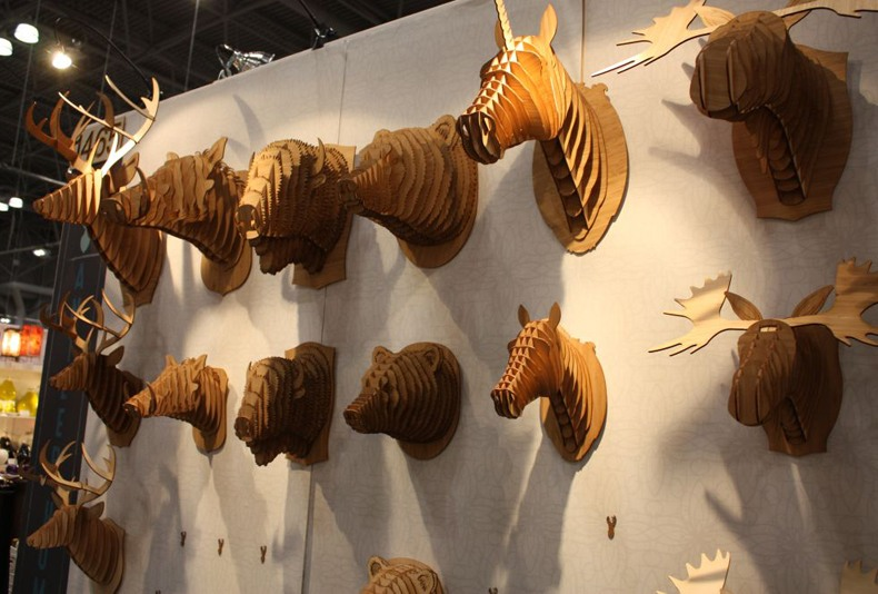 Mounted animal heads made from wood, cardboard etc. is often used in the modern interior.