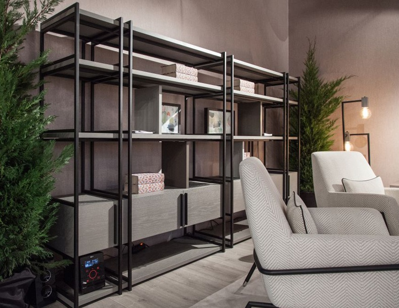 This shelving units living room is realized in a variety of finishes.