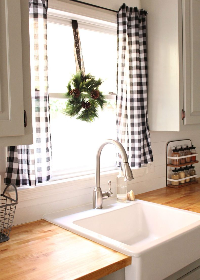 Farmhouse kitchen curtains will influence on the ambiance of the room like any others.