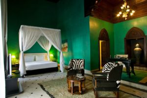 What do you think about emerald green bedroom ideas at your apartment?