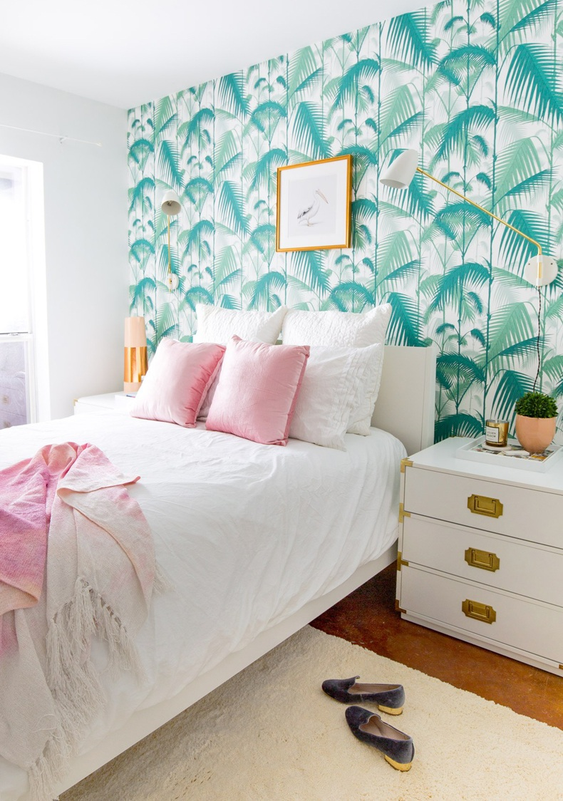 Master Bedroom Tropical Leaf Wallpaper