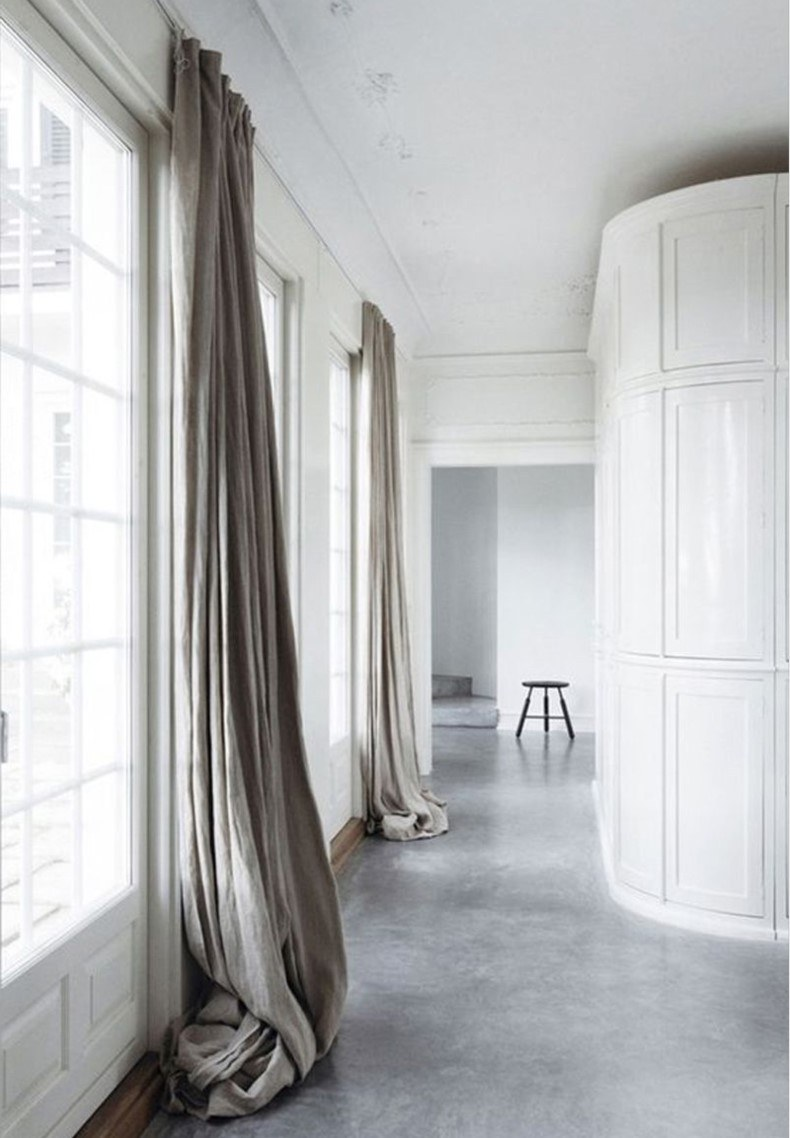 Gray Floor Leaning Curtain