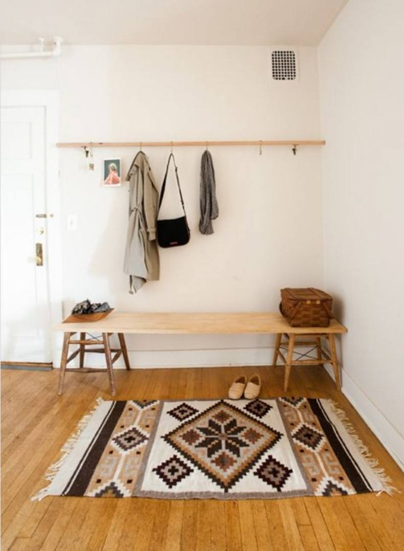 Making a contemporary entryway with entry rugs ideas is not very complicated work.