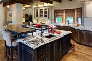 Traditional Quartz Kitchen Countertop