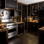 Using Dark Colors in Black Kitchens Decor