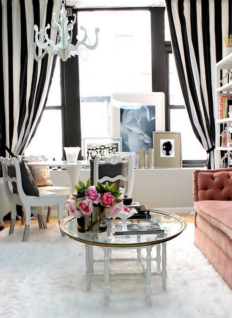 Black and white striped curtains are the most popular combination of classic colors that has no age.