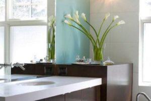 Bathroom Flowers Decor