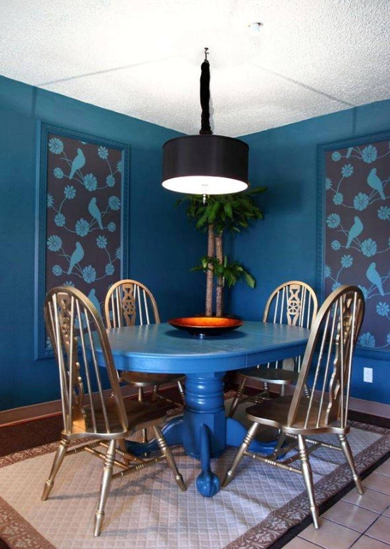 Here you will find a few navy blue dining room ideas of using blue color in a trendy monochromatic room that will inspire you for changing.