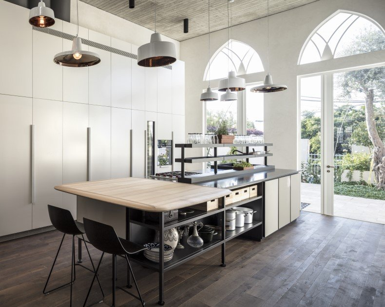 Modern industrial kitchen has something magic that attracts family members and friends, mostly when it is unique and stylish.